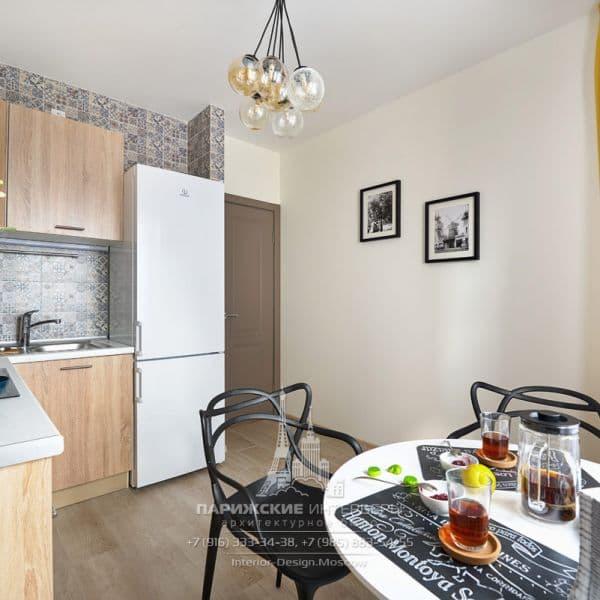 Интерьер кухни в парижском стиле после ремонта