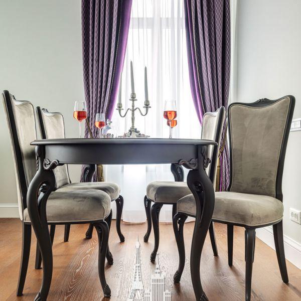 Обеденный стол в квартире. Дизайн столовой в стиле неоклассика
