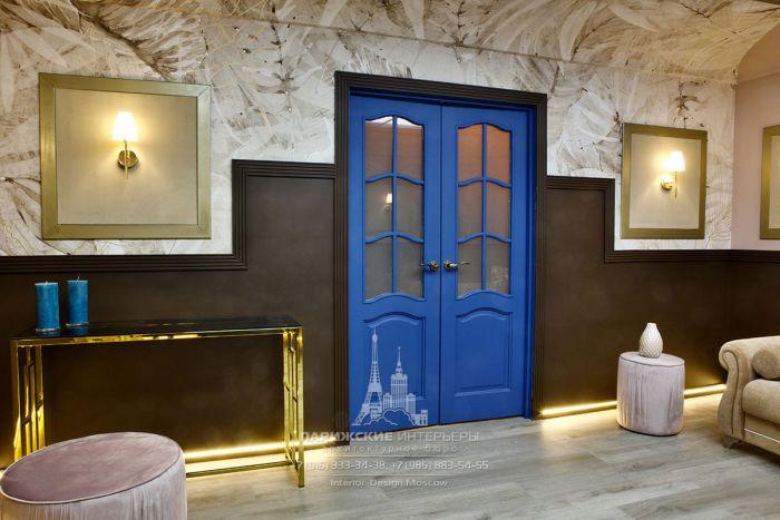 Стильная дверь с классической раскладкой